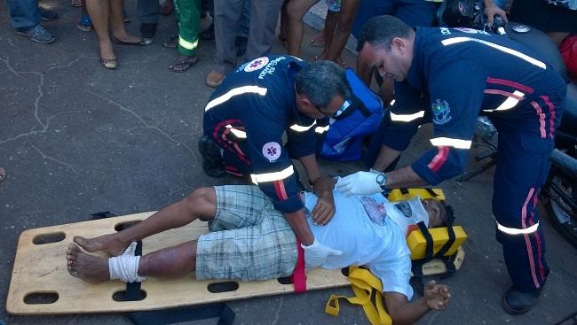 Idoso é atropelado por motocicleta ao atravessar rua no centro de José de Freitas