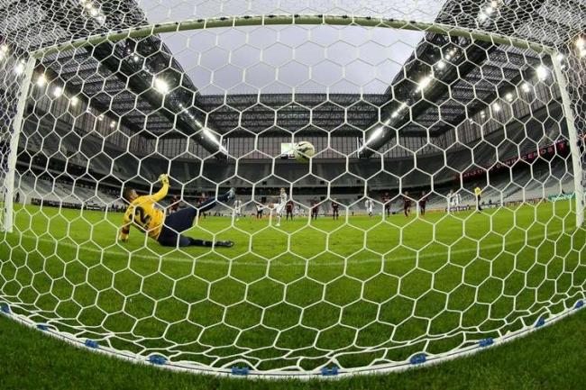 Fluminense atropela Atl騁ico-PR na Arena e se firma no G-4