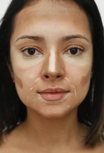 Popular em tutoriais na web, técnica do contorno define traços e esculpe rosto