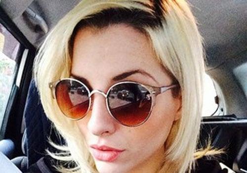 Ex-BBB Clara viaja com ex-marido e é bombardeada por críticas de fãs