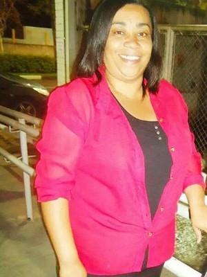 Mulher  liberada de hospital duas vezes ainda com dores e morre nos bra輟s da filha
