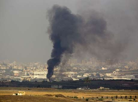 Bombardeio faz a única central elétrica de Gaza parar