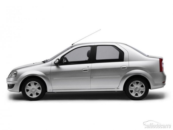 Renault Logan completa 10 anos de história