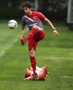 Kaká preocupa os médicos e pode ficar fora da partida contra o Criciúma