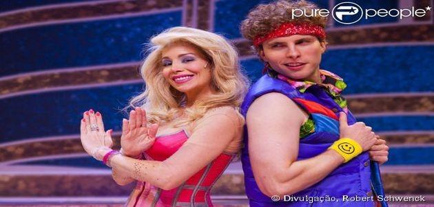 Danielle Winits decide processar teatro após acidente em peça