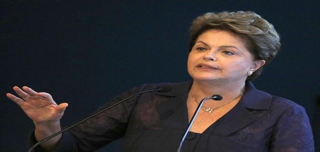 """Dilma diz que """"muitos"""" conspiram contra o financiamento à indústria"""