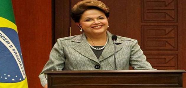 Dilma propõe inclusão de médicos especialistas e exames laboratoriais no programa Mais Médicos