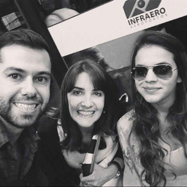 Fãs postam foto com Bruna Marquezine indo para Fortaleza