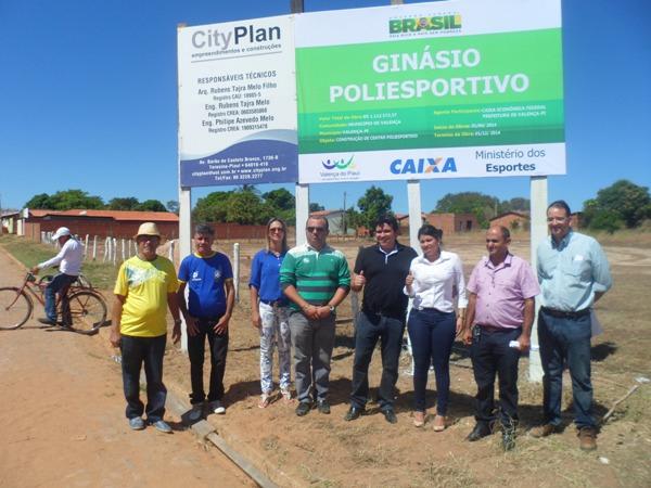 É assinada a ordem de serviços do Ginásio Poliesportivo do Bairro Lavanderia