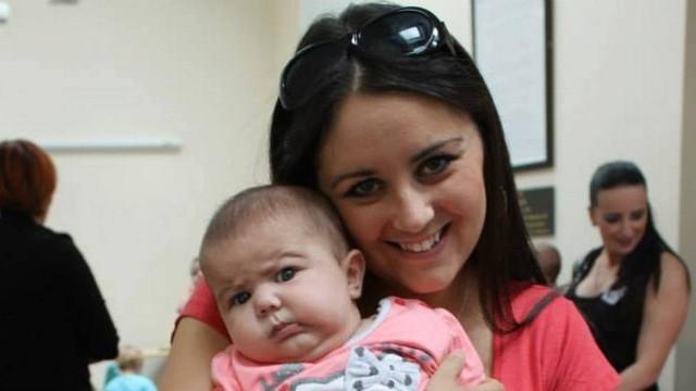 Grávida sofre aborto, toma pílulas abortivas, mas um dos bebês sobrevive