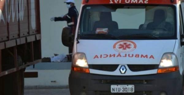 Poste cai e atinge adolescente no litoral do Piauí