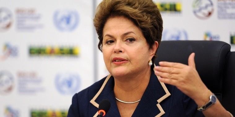 Dilma rebate críticas sobre baixo crescimento da Economia em 2014