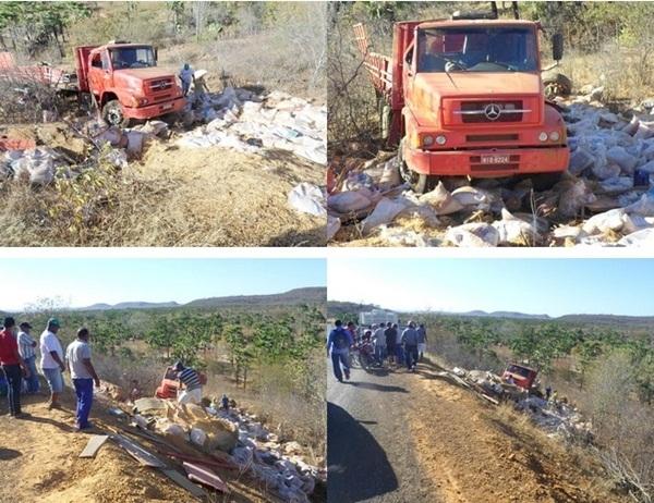 Caminhão carregado de milho tomba na PI -115; homem fica ferido