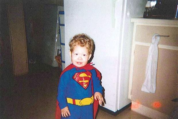 Empresa proíbe logo do Super- Homem em estátua de menino morto
