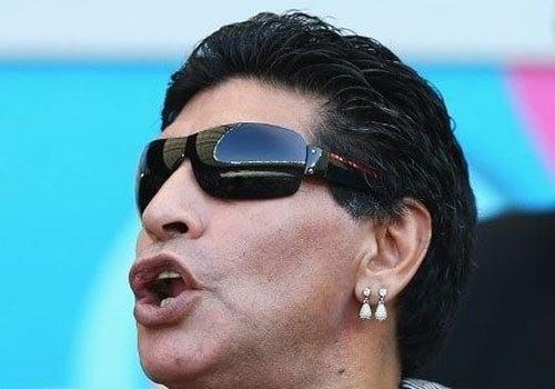 Maradona crê em Argentina na final, mas corneta: