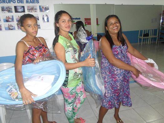 Cidadania e proteção social - CRAS realiza encontro com o Grupo de Mães gestantes e entrega kits bebê.