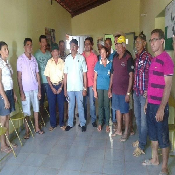 Prefeitura entrega kits de irrigação a agricultores - Imagem 3
