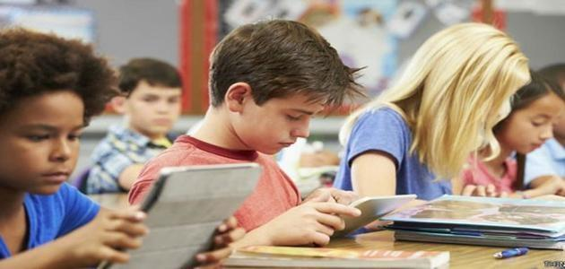 Uso exagerado de tablets e celulares pode deixar crianças insensíveis
