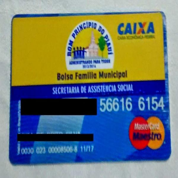 Prefeito Apolinário Costa lança Bolsa Família municipal e reinaugura clube