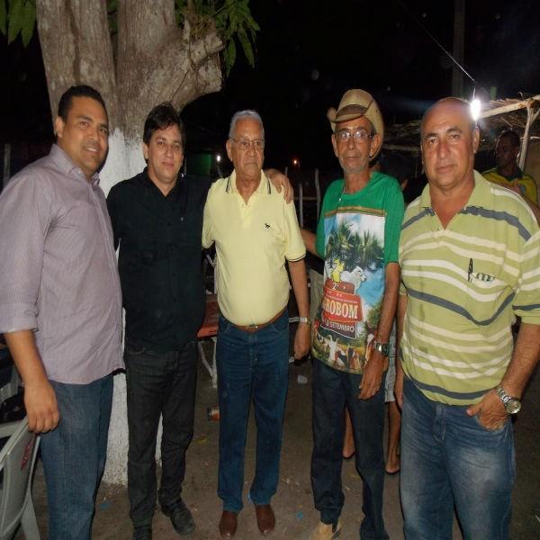 Centenas de pessoas prestigiam abertura da II Exposição Agrobom em Bom Princípio do Piauí