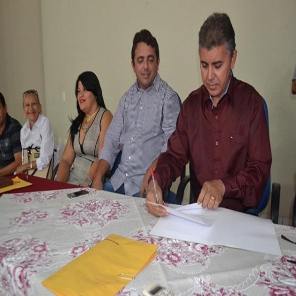 Prefeitura convoca mais professores aprovados no concurso