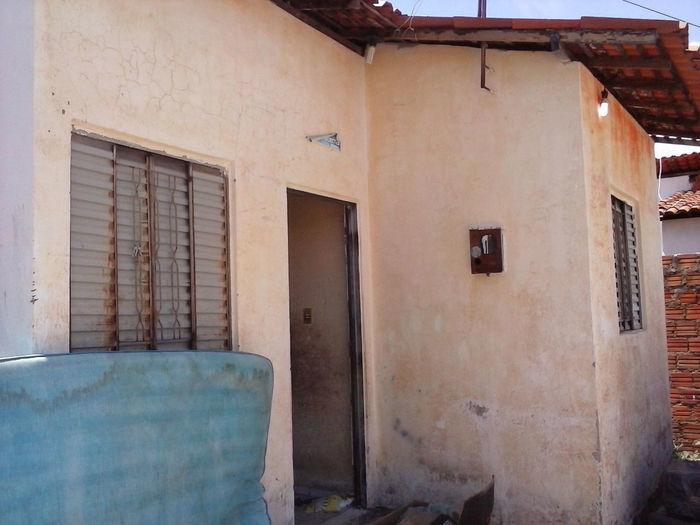 Policiais do 9º BPM apreendem 30 quilos de maconha e armas enterradas em casa abandonada na Vila Santo Afonso - Imagem 2