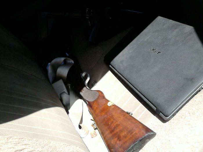 Policiais do 9º BPM apreendem 30 quilos de maconha e armas enterradas em casa abandonada na Vila Santo Afonso - Imagem 1
