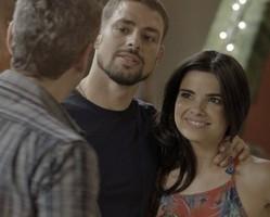 Tóia anuncia que vai embora com Juliano e deixa Romero indignado