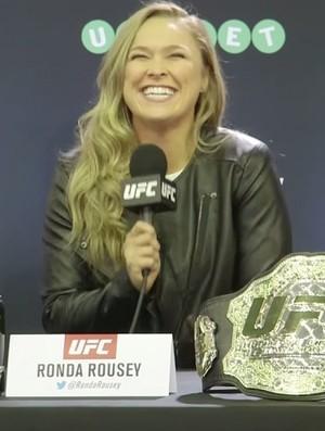 Ronda diz que UFC fretou voo para chef lhe preparar asas de frango - Imagem 1