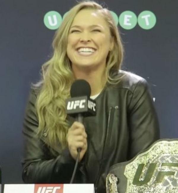 Ronda diz que UFC fretou voo para chef lhe preparar asas de frango