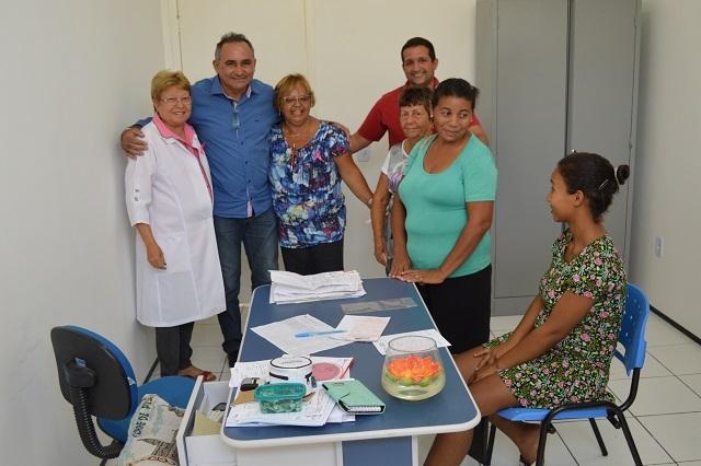 Prefeito Bernildo Val visita unidade de saúde na zona urbana de Buriti dos Lopes