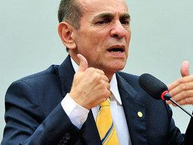 Marcelo Castro toma posse como ministro da Saúde