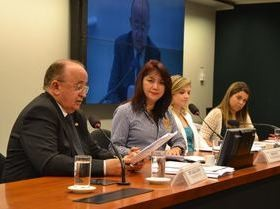 Deputado pede que multinacionais invistam no Piauí