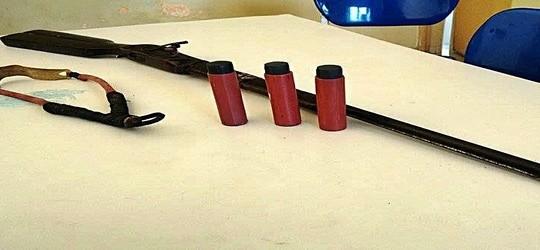 Adolescentes são apreendidos em Parnaíba com espingarda municiada