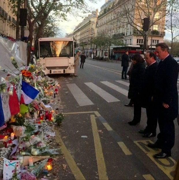 Ministro da França visita o Bataclan e defende ataque ao EI