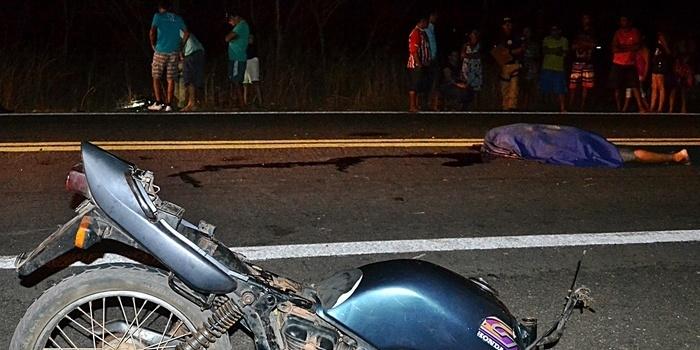 Moto se quebra ao meio e piloto morre em grave acidente no litoral do PI