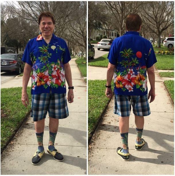 O apresentador em um look despojado durante férias em Miami (Crédito: Reprodução)