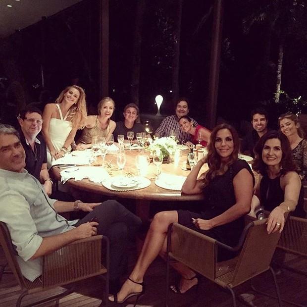 Jantar reúne vários famosos (Crédito: Instagram)