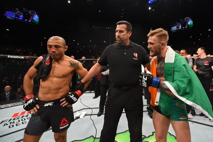 McGregor conversa com José Aldo após nocaute (Crédito: Reprodução)
