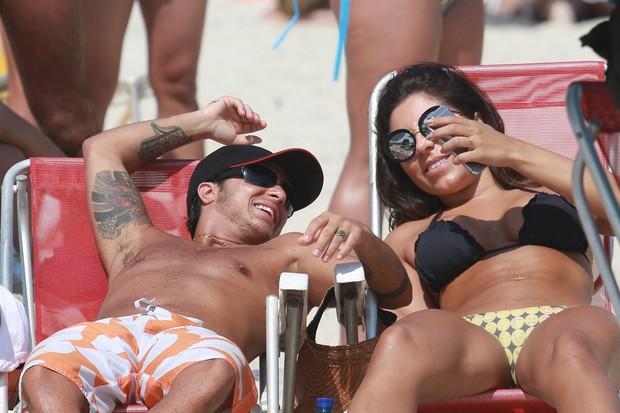 Thammy e a namorada Andressa Ferreira (Crédito: Reprodução)