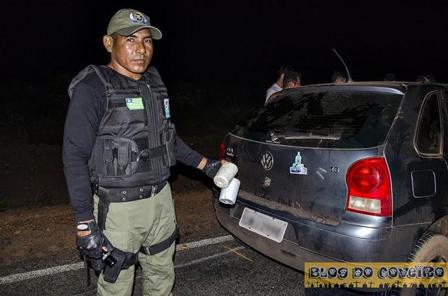 Polícia encontrou cerveja dentro de um dos veículos (Crédito: Reprodução)