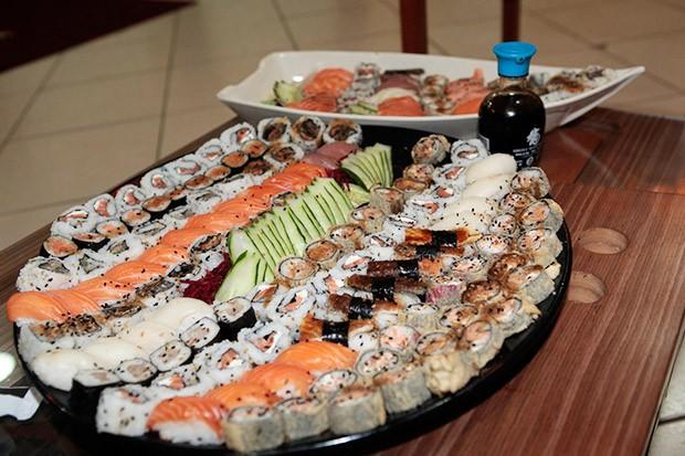 Luan é viciado em comida japonesa