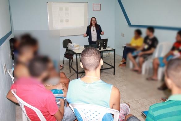 Internos do CEM assistem aula. (Crédito: Ascom Sasc)