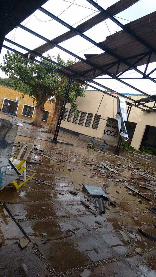 Estragos da ventania na cidade de Picos (Crédito: Reprodução)