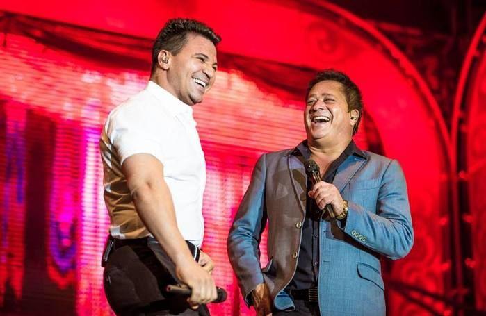 Eduardo Costa e Leonardo cantam no projeto Cabaré (Crédito: Divulgação )