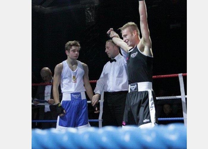 Michael se tornou campeão de boxe