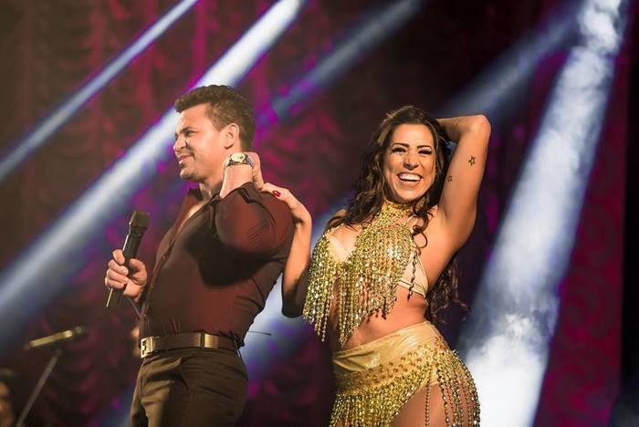 Eduardo Costa e bailarina no projeto Cabaré (Crédito: Divulgação )