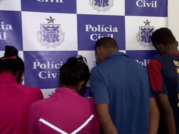 Os quatro foram capturados pela polícia (Crédito: Reprodução/Record Bahia )