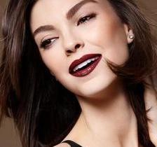 Marcos Costa apresenta seis opções de maquiagem para festas de fim do ano
