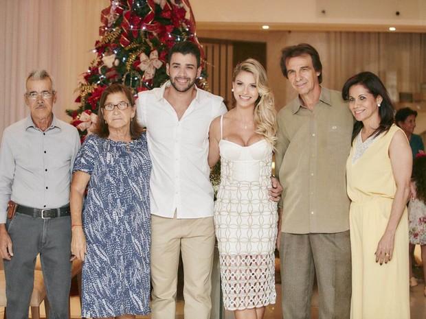 Familia dos noivos (Crédito: João Augusto/ Michelle Barzotto/ Divulgação)